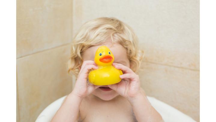 Jak umilić dziecku kąpiel? Zabawki dla dzieci do kąpieli